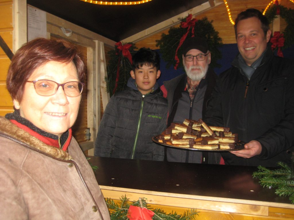 Weihma2016 2-1024x768 in Fuldataler Weihnachtsmarkt – Nussecken bei den Liberalen