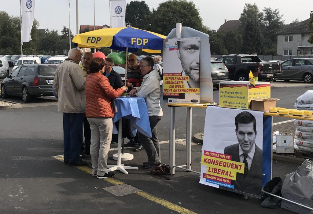 BTW2017 WS 4-1024x701 in Straßenwahlkampf - Traditionell letzter Stand des FDP Ortsverbandes Fuldatal am Samstag vor der Wahl
